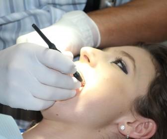 Jak najskuteczniej zadbać o zdrowie zębów?